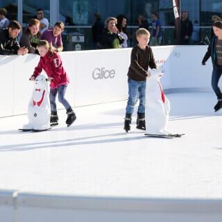 kids skating - Glice fake ice rink