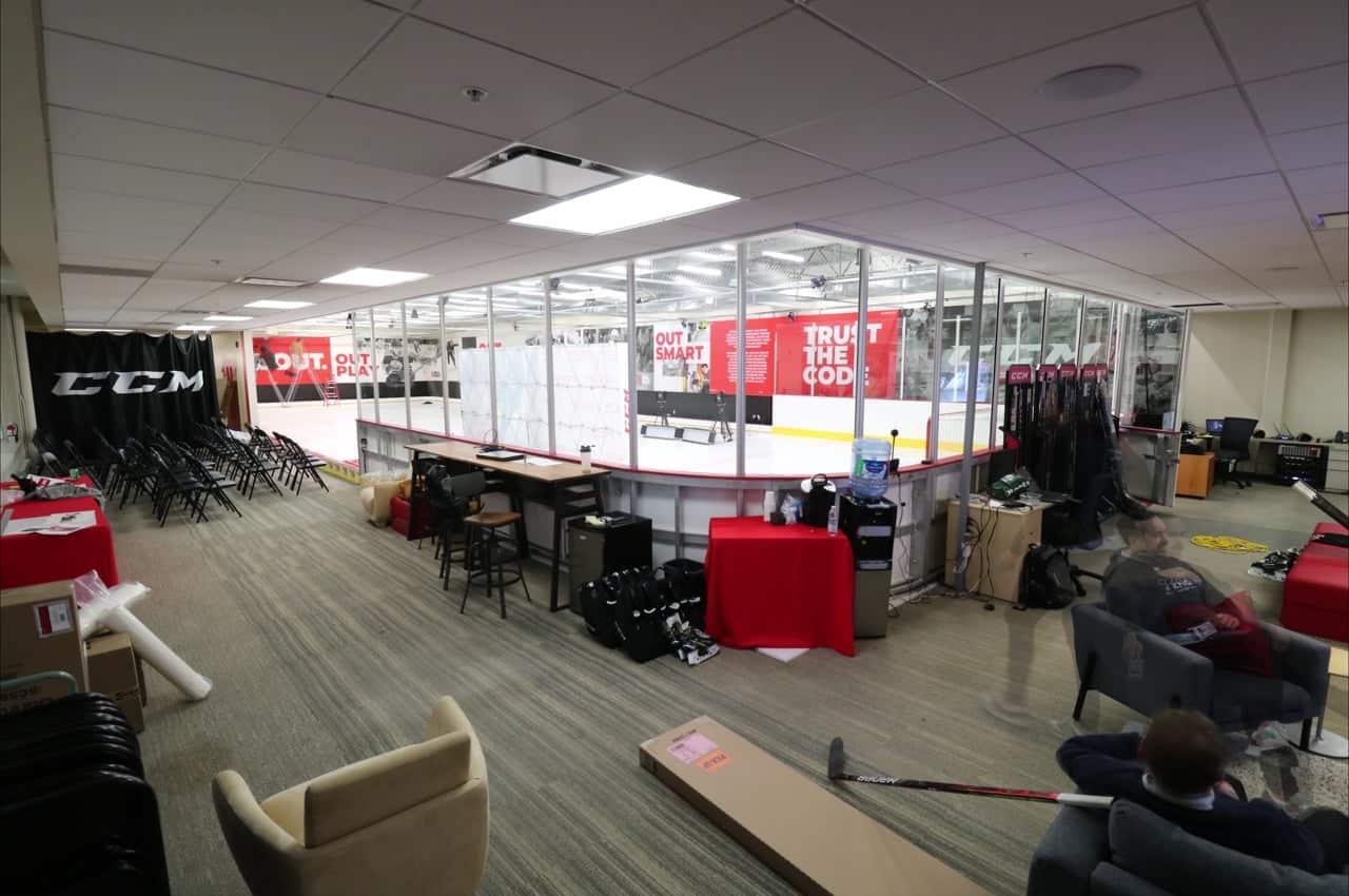 شركة CCM تستخدم جليد غلايس الاصطناعي في مختبر الأداء بمقرها في مونتريال