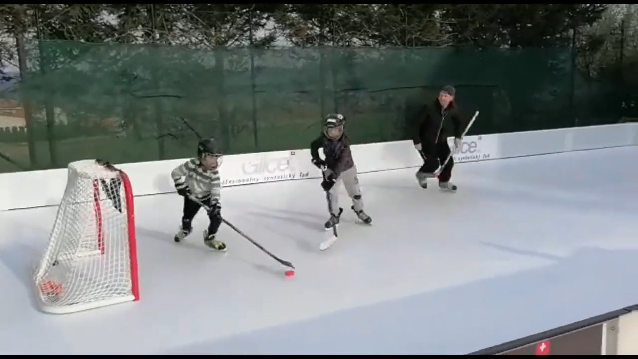 2:1 Session on Glice Synthetic Ice Rink in Czech Republic