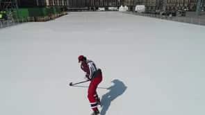 Erste Eislauf-Action auf dem weltgrössten Eisfeld am Zócalo in Mexiko Stadt