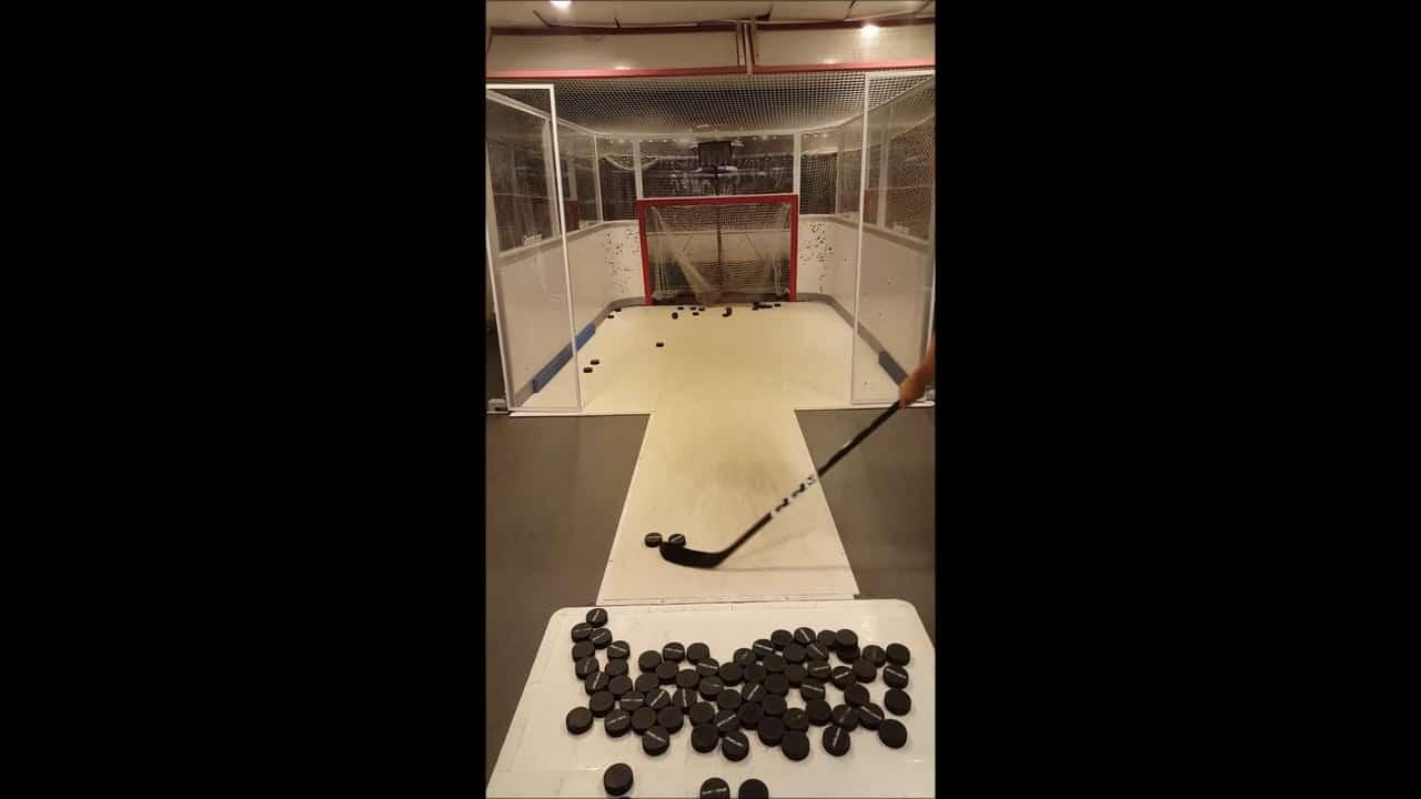 Europas größter Online-Shop für Hockey Equipment installiert Glice® Slapshot Stations basierend auf Glice® synthetischem Eis in schwedischen Flagshipstores