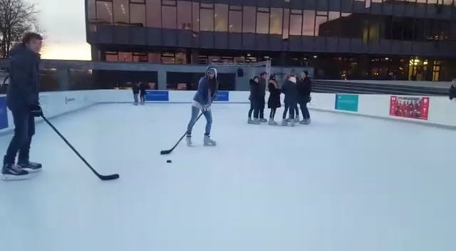 Gleiten Sie auf Glice®: synthetisches Eisfeld an der ETH Zürich lässt Sie die Wintersportzukunft umsonst erleben