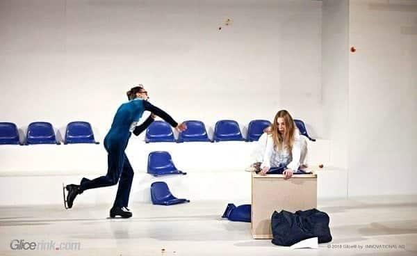 Syntetická ledová plocha Glice® účinkuje v představení Nového divadla v lotyšské Rize