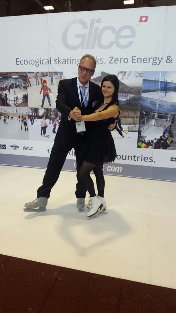 glice-synthetic-ice-team-in-municipal-trade-show-austria-3