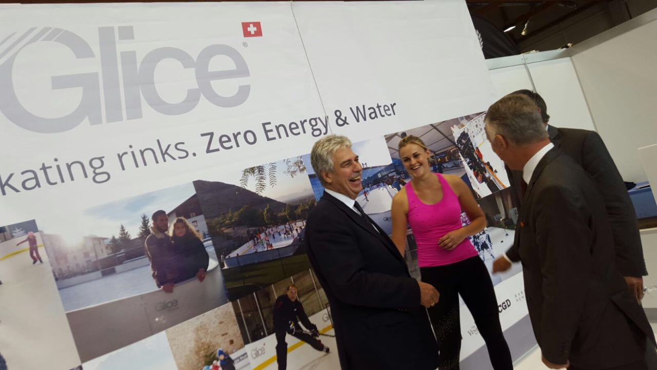 glice-synthetic-ice-team-in-municipal-trade-show-austria