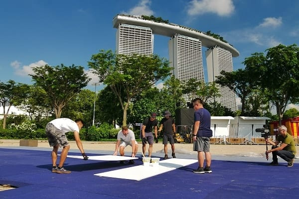 Andra året i rad: Glice syntetiska isbana installerad i Gardens by the Bay i Singapore