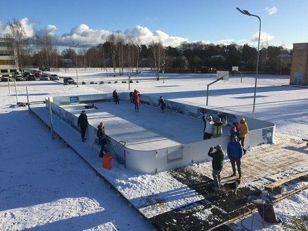 Pista in Ghiaccio Sintetico Glice® presso una scuola media di Adazi, in Lettonia