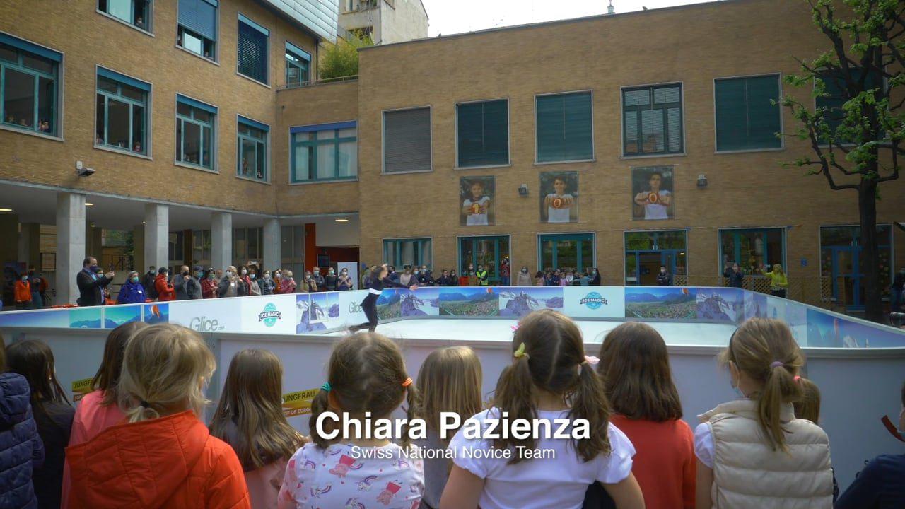 Glice Kunststoffeisbahn an der Schweizer Schule in Mailand zieht alle Blicke auf sich