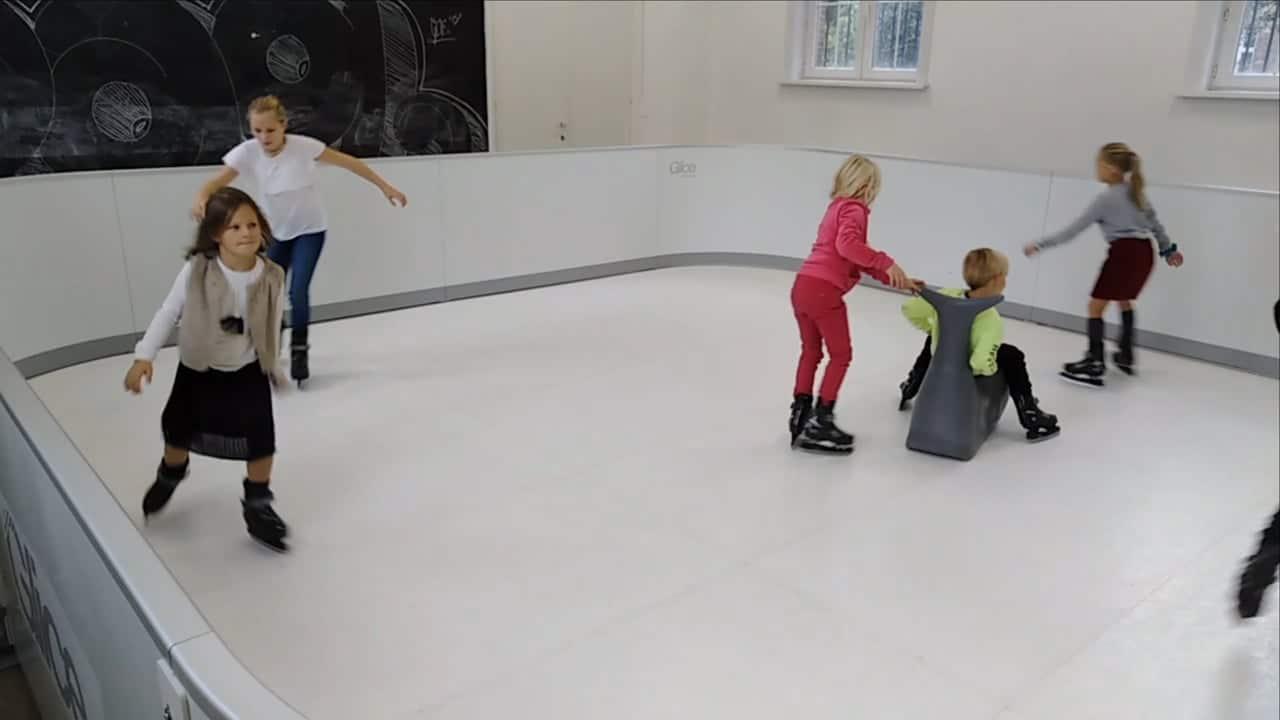 Glice Benelux滑冰馆开业 – 在生态仿真冰上滑冰的乐趣