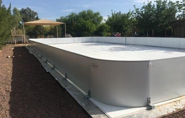 Eine der feinsten Nachbarschaften Arizonas ist das neue zu Hause einer Glice® synthetischen Eisbahn