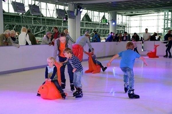 Erleben Sie die revolutionäre Glice® synthetische Eisbahn am Internationalen Flughafen Dresden