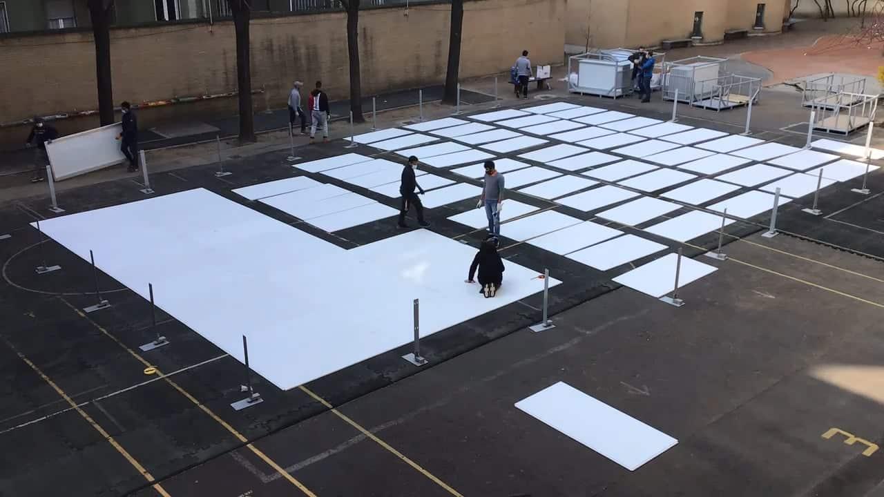 Glice Synthetik-Eisbahn Installation an der Schweizer Schule Mailand
