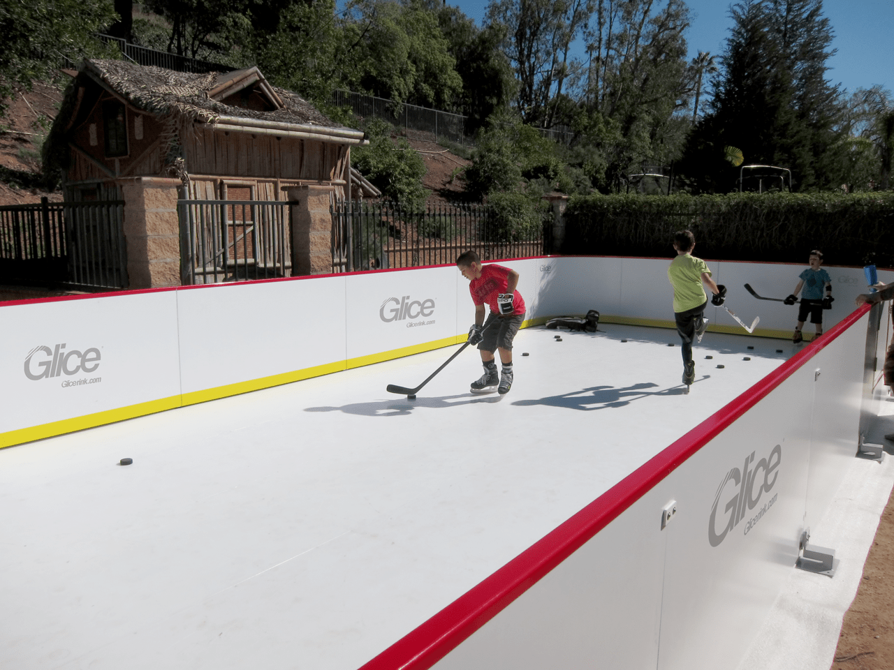 Glice mini arena synthetic ice