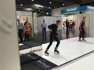 Притягивающий внимание искусственный лед  Glice® на Торговой выставке в Граце, Австрия