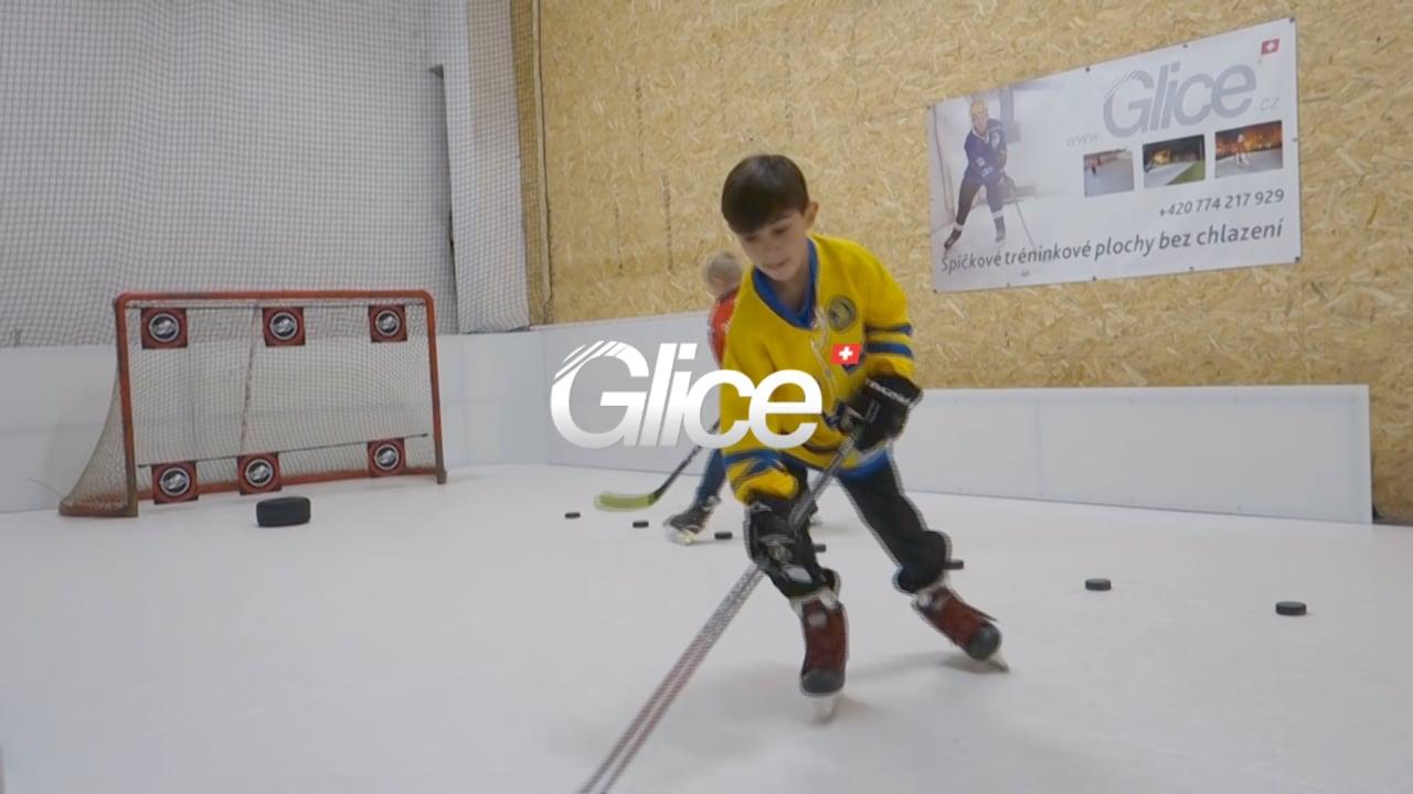 Hockeyträning på Glice i DoToHo Arena i Tjeckien