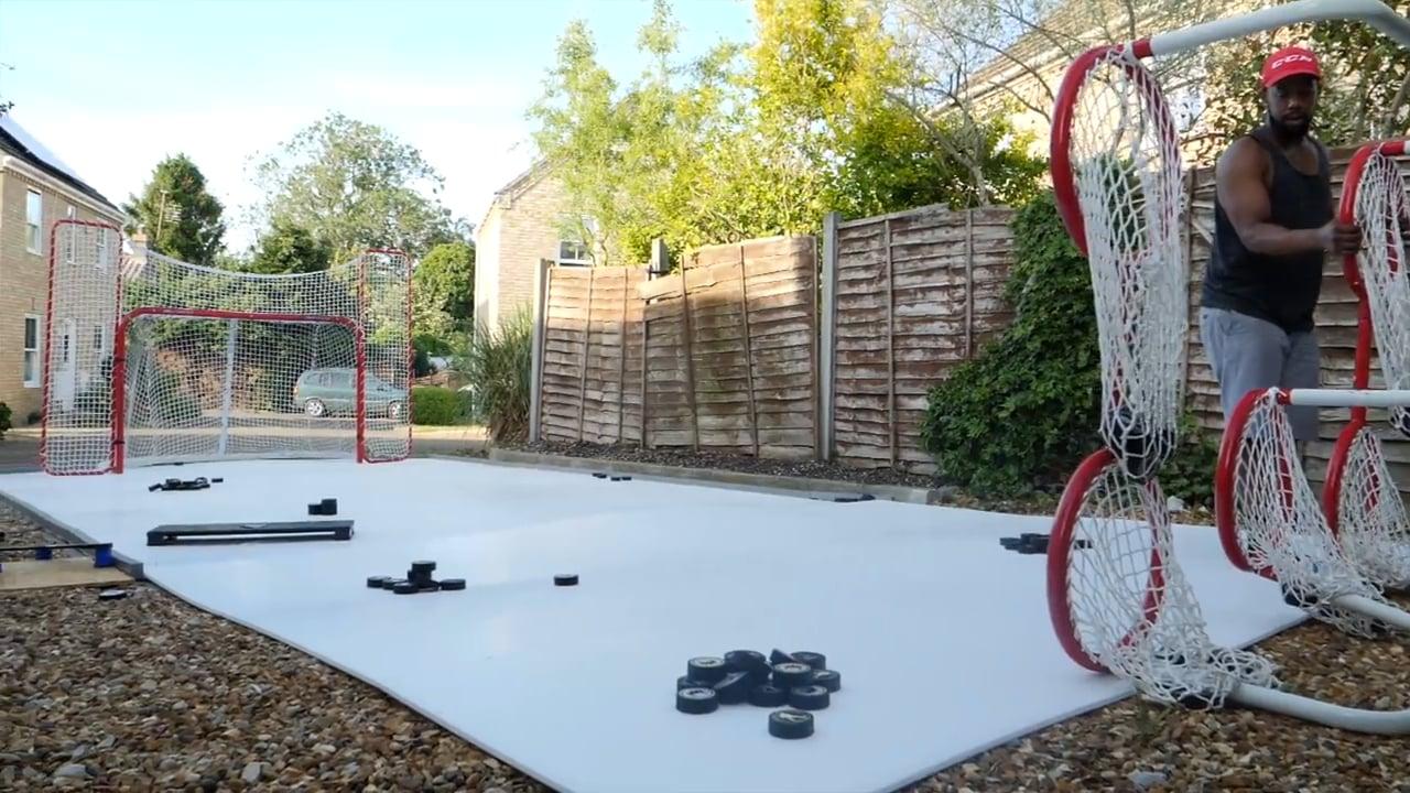 Instalación de una pista en el patio trasero de Hockey Tutorial con el nuevo hielo sintético de Glice Home