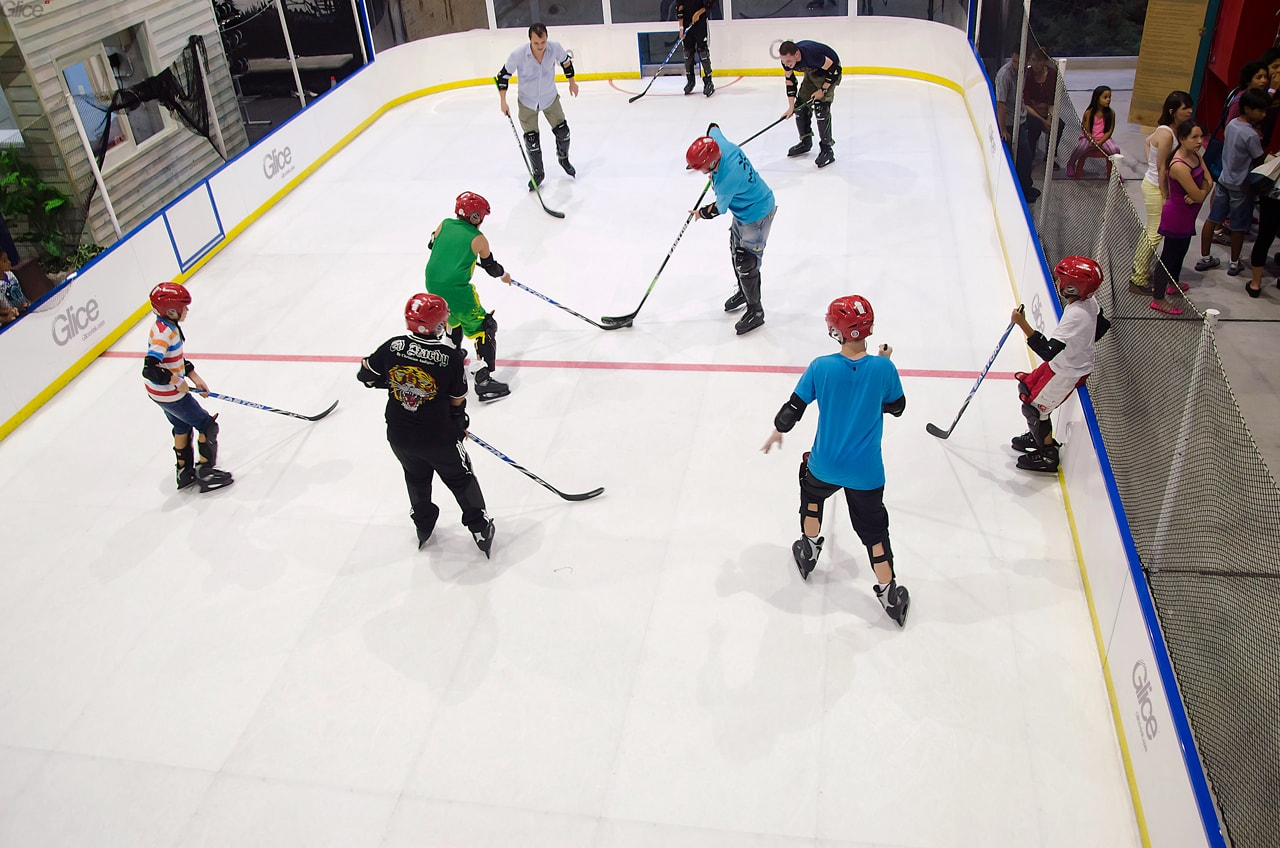 Hockey game - Glice synthetic ice