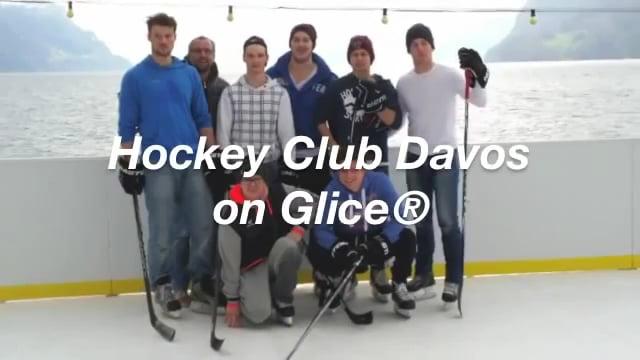 Eis Hockey-Spieler von HC Davos trainieren auf Glice® Kunststoff Eisfläche