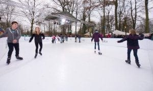 Leisure_skating_on_a_Glice_plastic_ice_rink