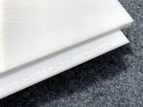 Podle výrobního čísla na vašich panelech syntetického ledu poznáte, že si pořizujete originální Švýcarskou kvalitu od kluzišť Glice®