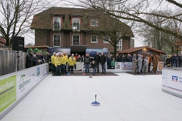 Eisstock Curling na umělém ledu Glice® v Meyerink Hotelu v Německu se stal magnetem pro návštěvníky!