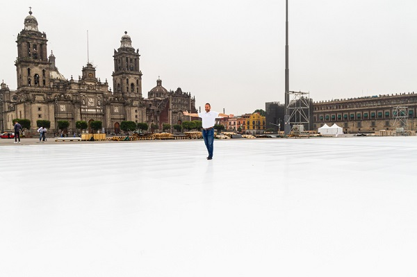 世界上最大的溜冰场建成:墨西哥城的生态佐卡洛溜冰场