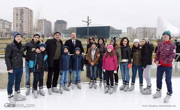 Azerbajdžán má největší umělé kluziště se syntetickým ledem na světě! Kluziště dodala švýcarská firma Glice® a inauguroval ho prezident Aliyev