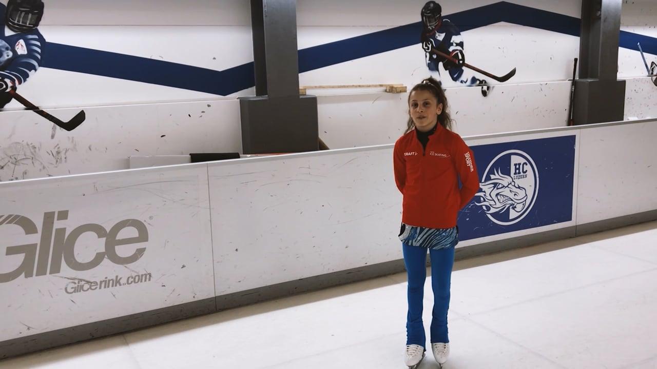 Wschodząca gwiazda szwajcarskiego łyżwiarstwa figurowego – Leandra testuje syntetyczny lód Glice