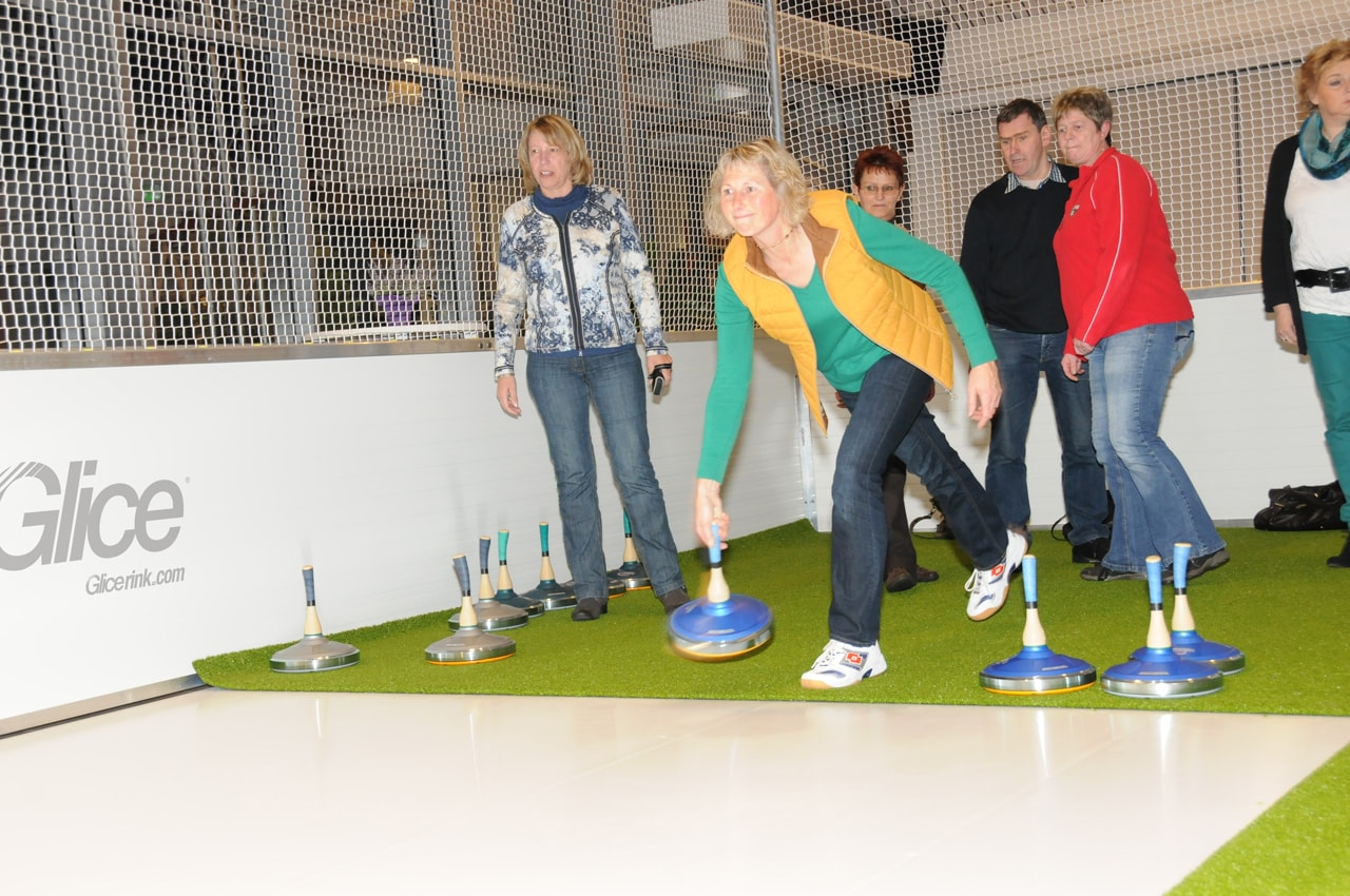 Glice fake ice - Curling game