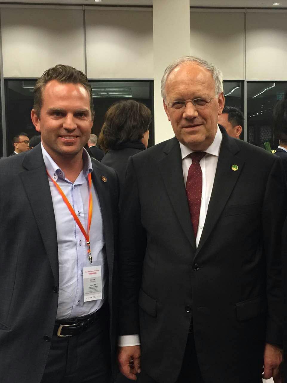 Viktor Meier, cofundador de Glice® junto al presidente de Suiza Schneider-Ammann